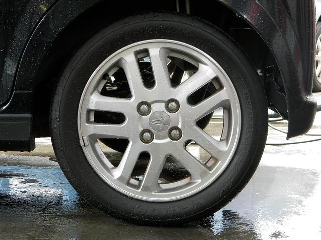 純正15インチアルミも綺麗なコンディション!タイヤも問題ありません!