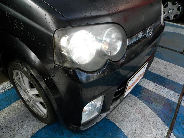 ヘッドライトは純正キセノン!非常に明るく夜間も安全に走行可能です!