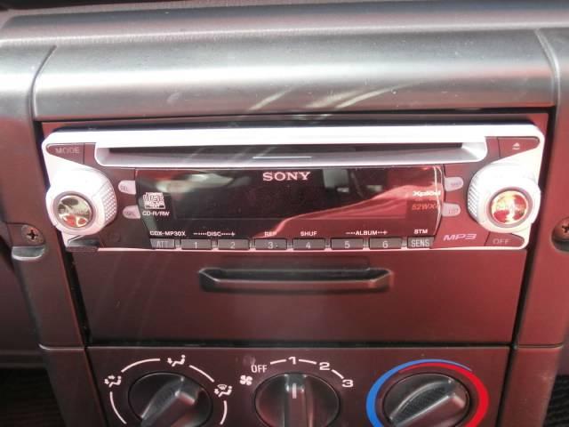 使いやすいCDデッキ付き!楽しいドライブのお供にいいですね!好きな音楽を聴きながらのドライブは楽しいですよね!