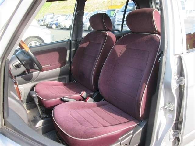 フロントシート綺麗な状態です