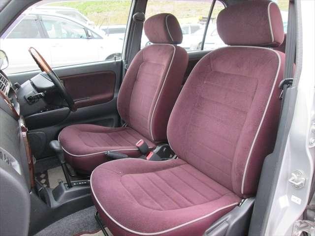 フロントシート綺麗です