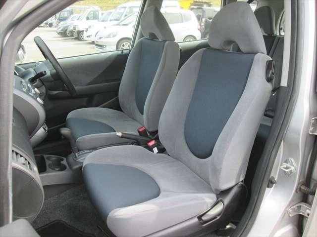 フロントシート少々汚れがあります