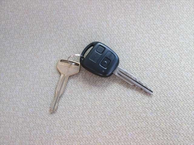エンジンキーとドアキーが別々になります。キーレスは使用可能です
