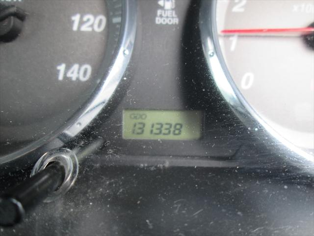 走行距離が13万キロ台ですが、まだお乗りいただけそうです。
