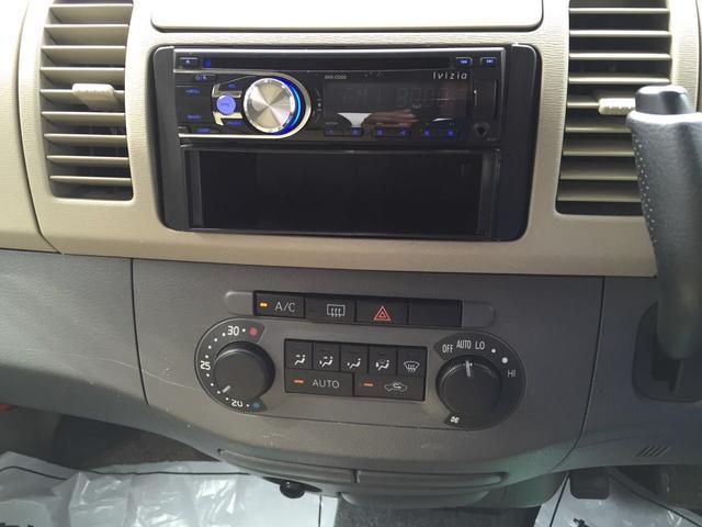 オートエアコン完備♪♪社外CDデッキ付きです♪ナビへのチェンジも格安にて承ります!