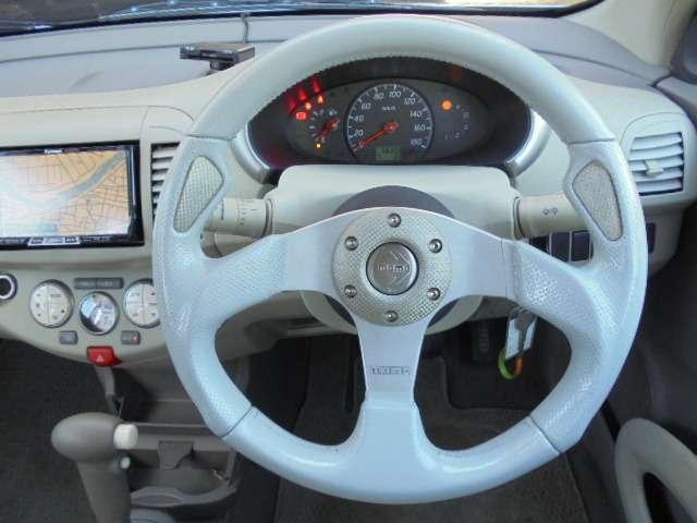 momoのステアリング☆長距離、スポーツ、待ち乗り等のドライブでもグリップしやすく疲れにくいハンドルです♪
