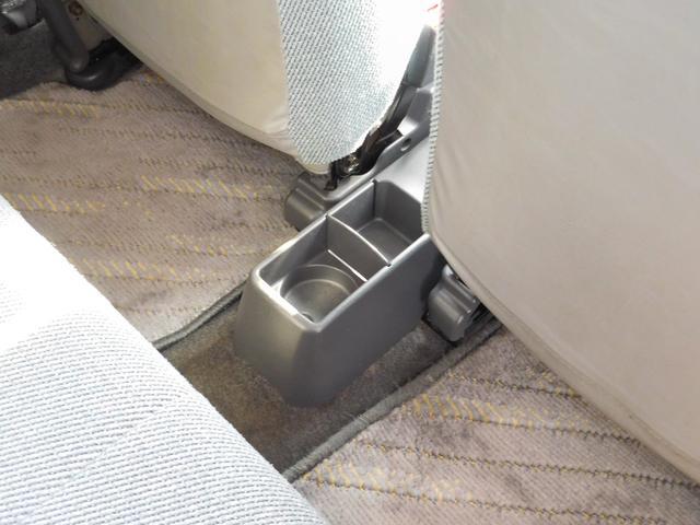中古車だからボディコ−ティングがおすすめ!下地処理が重要なコ−ティングはもちろんプロの施工でピカピカに仕上げます。