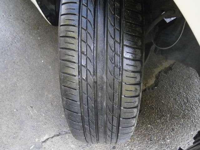 タイヤの残量は5分山程度です!