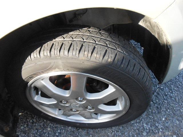 ☆タイヤの残り溝、まだまだあります大丈夫です♪
