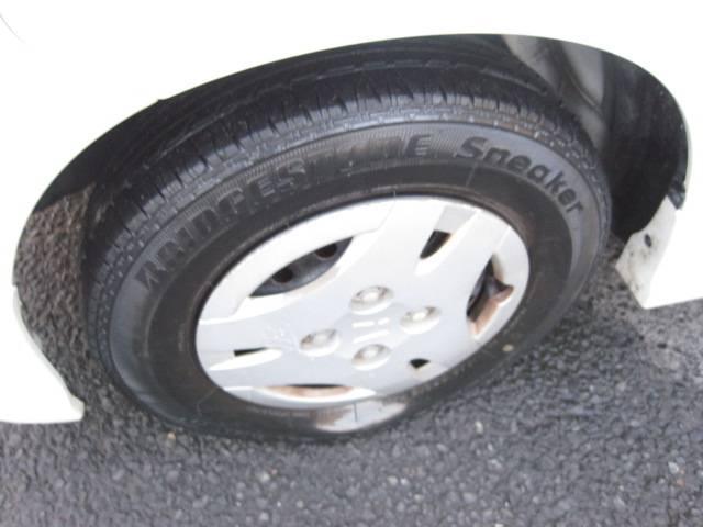 タイヤの溝まだまだあります♪