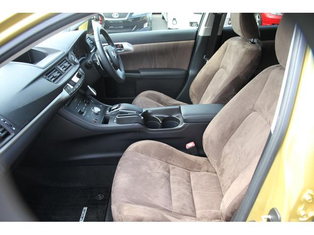 運転席&助手席はシートヒーターを装備!