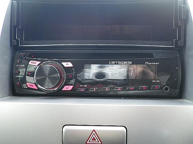 社外CD付きです!ドライブには欠かせないアイテムの一つですね!