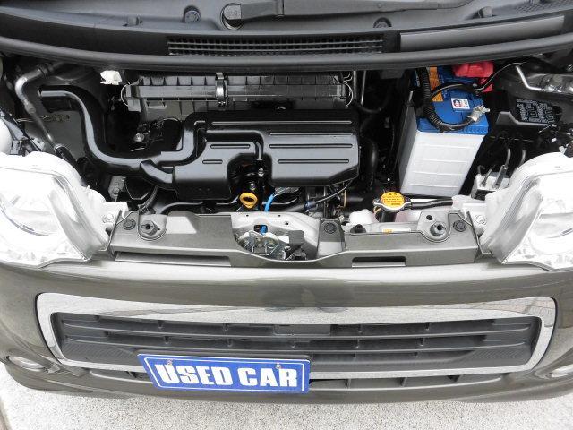 国家資格保有の整備士が厳しい検査基準にて、万全の点検検査を行った良質なお車です! エンジンルームもご覧のとおり、とっても綺麗です!