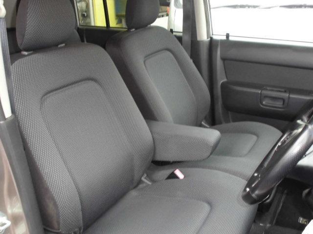 車内フロントシート、クリーニング済みになります。