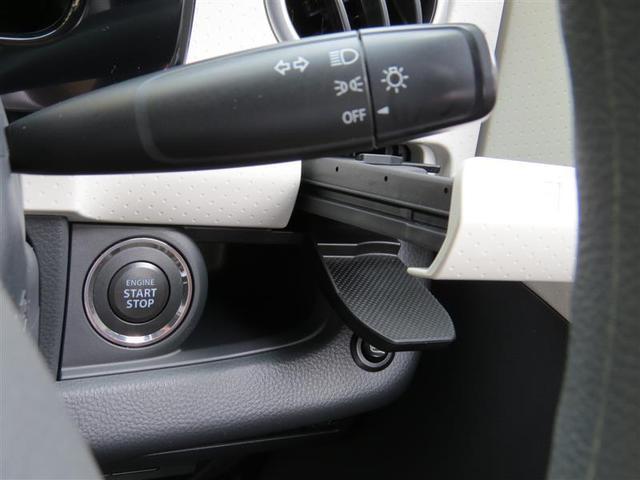 更にエンジンの始動もキーフリーですよ♪ ブレーキを踏んでプッシュボタンを押すだけでエンジンがかかります。キーの電池が切れたときはキー本体で枠に触れてボタンを押すと掛かります。