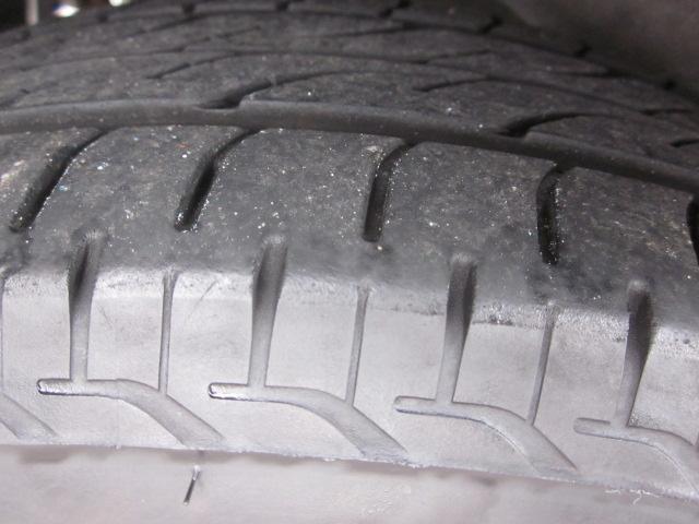 タイヤの山もとても残っております!