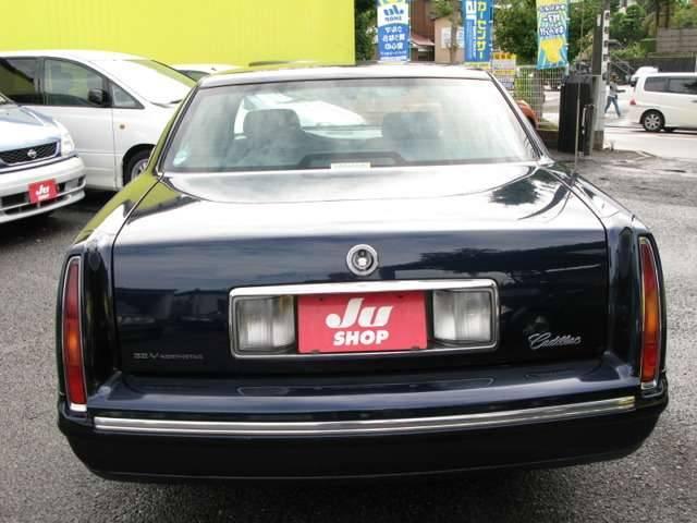 この度は横浜オートの車両をご覧頂き、誠にありがとうございます。横浜オートでは購入した後も長くお乗りいただく為、社長自らが全国の中古車オークションに出向き厳選した車両を取り揃えております!