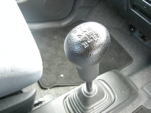 お車をお客様にご納車させていただく際にはもちろん!!車両をピカピカにさせて頂きます!!