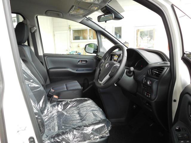 トヨタ ヴォクシー ZS 煌 セーフティーセンス 両側電動スライドドア 7人乗り