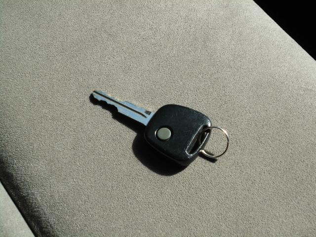 平成13年式 スズキ ワゴンR C2 入庫しました。 株式会社カーコレは【Total Car Life Support】をご提供してまいります。http://www.carkore.jp/