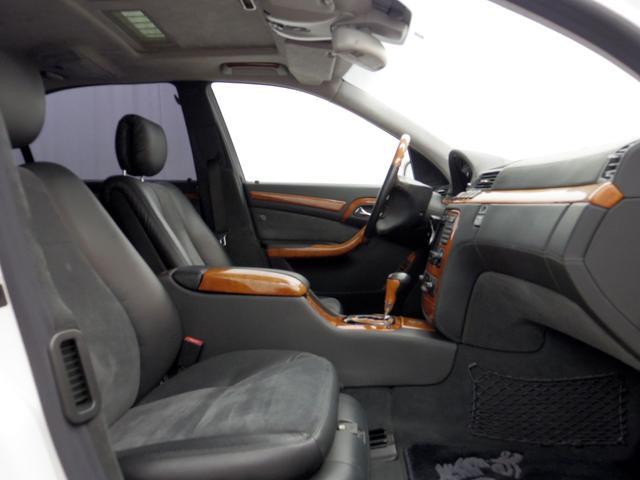 ☆アップル多摩生田店の販売車両は第3者機関のJAAA鑑定を取得し、鑑定証・実走行証明をお付けしておりますので安心♪車の品質に対してのプライスのお得感には自信がございます♪0120−773−308♪