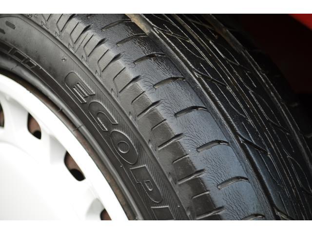 ご覧の通り、タイヤの残り溝もタップリありますのでご安心してお乗り頂けます。 御来店頂く際は事前に、在庫確認の御連絡をお願い致します。TEL042−692−0007