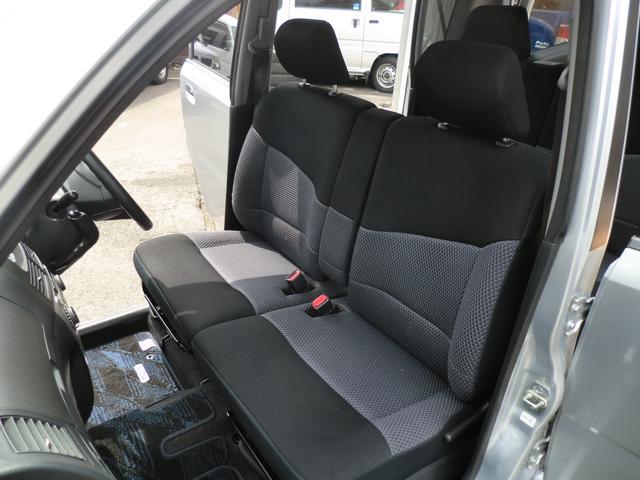 前席シートです!厳選仕入れのため程度の良いお車を仕入れておりますので目立ったキズや汚れはございません♪快適なカーライフには必須条件ですよね?