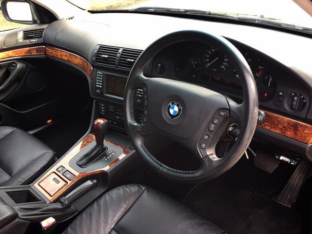 BMW BMW 530iハイラインパッケージ 後期・レザー・SR・キセノン