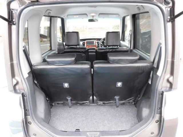 4人乗車時でも、お荷物を積むことができます♪お出かけやお買い物のときも安心です!