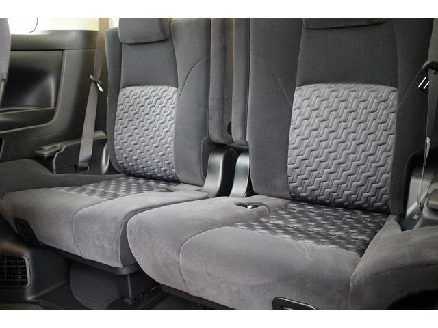 サードシートとは思えない広い居住空間!