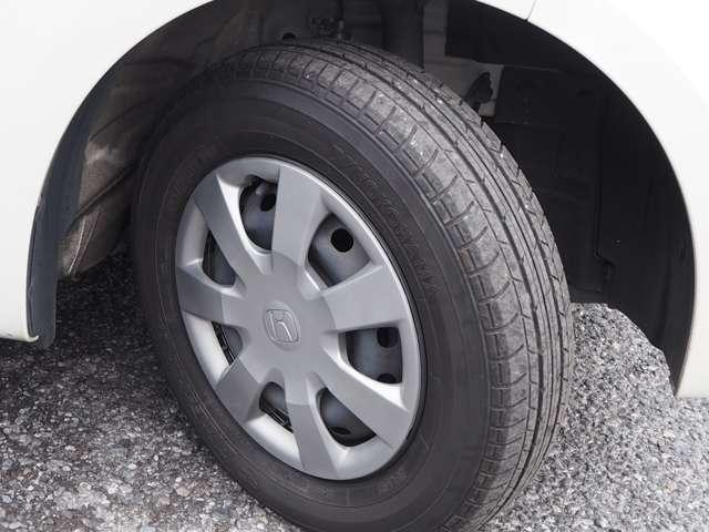 タイヤサイズ:145/80/13です♪もちろんタイヤの山もタップリ残ってます!これからの使い方にもよりますが、すぐに買いかえる心配ありません!是非店頭にてお客様の目でお確かめ下さい。ご来店お待ちしております♪