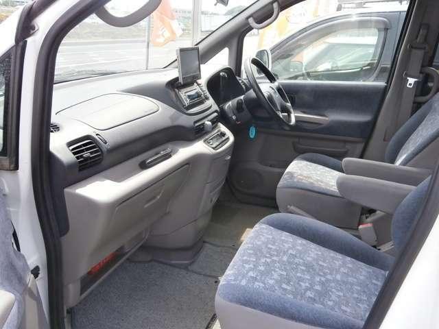 少数陣営ですが、私たちは日々お客様の立場になって考えお客様に安心・安全のカーライフを提供することに最善をつくします。車検・修理・板金等どのようなことも、お気軽にご相談ください!