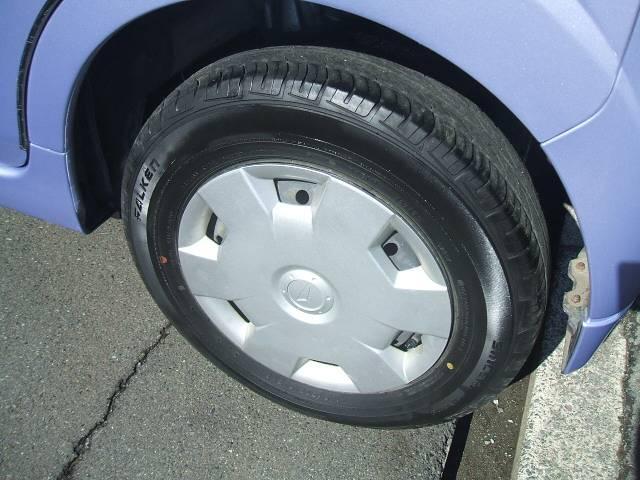 もちろんタイヤも山有ります!新品から中古までタイヤ交換も承っておりますので、お気軽にお問合せ下さい!!