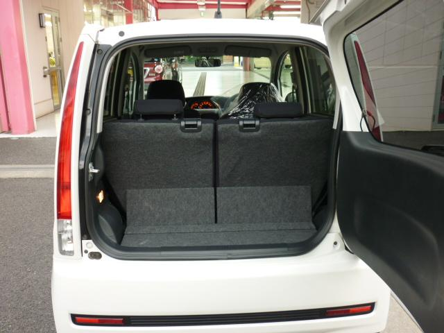 横開きバックドアも約90度、開くことができますのでかさばる大きな荷物の積み降ろしのときにも、その使いやすさを実感できます。