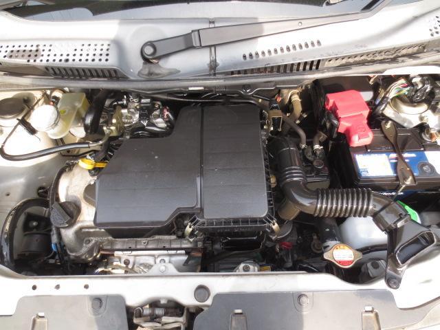 内外装だけでなくエンジンルームもクリーニング済み♪納車前にもう1度しっかり点検整備しますので、安心してお乗りいただけると思います。