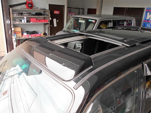 軽自動車では珍しい純正サンルーフです。