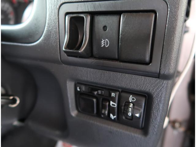 『法令12か月点検または24か月点検全車実施しております。指定工場、認証工場基準の交換対象バッテリー・ブレーキパット・オイル類・ACフィルター・ベルト・バルブ・タイヤ等。』安心整備です