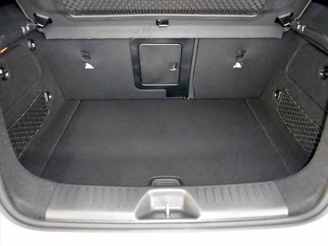 メルセデス・ベンツ M・ベンツ A180 ベーシックパッケージ 登録済未使用車 新車保証