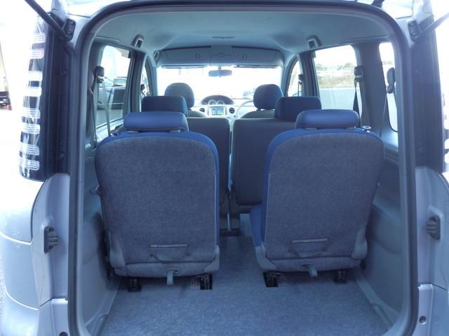 セカンド・サードシートとも収納できます!長尺物でも楽に積めます!