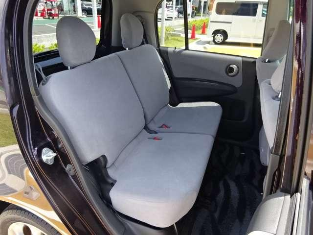 リアシートです!厚みのあるシートで、座り心地いいです!!