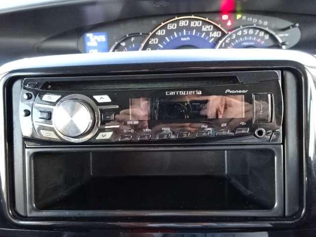 カロッツェリアのCDオーディオ《DEH−560》が装備されています!!お気に入りの音楽を聴きながらドライブができます♪
