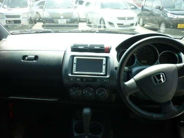 ドライバー目線の画像になります。車内もキレイですし、運転席からの目線も広く運転しやすいですよ!是非一度、実際に見ていただけたらと思います。