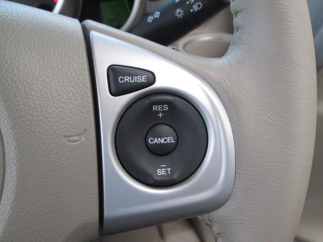 クルーズコントロール装備。高速道路を一定速度で走れて便利です。