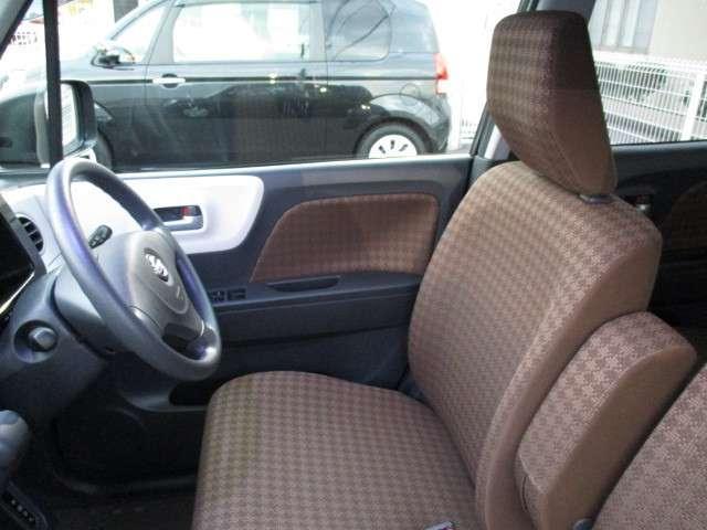 トヨタ高品質CAR洗浄 『まるまるクリン』施工済み。 シートを全部外して車内クリーニングしてあります。