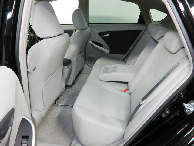 フロントシートです!フィット感があり座り心地の良いシートです♪
