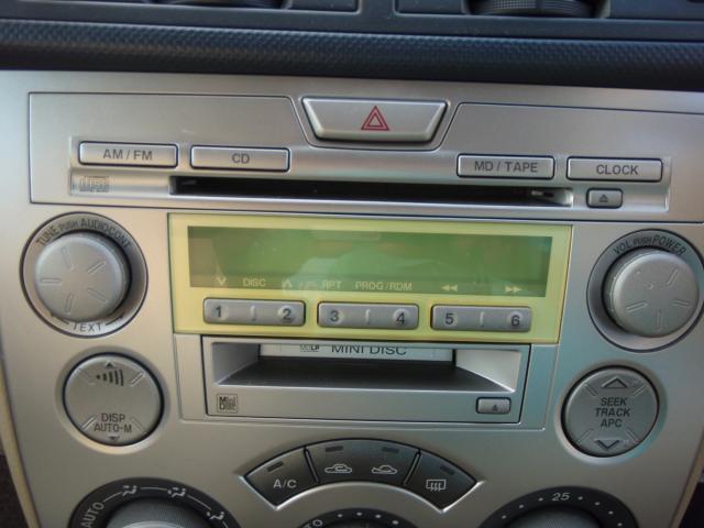 運転中の楽しみって音楽が大きな所を占めていると思います♪毎日のお出掛けも、楽しいドライブも、お気に入りのCDアルバムを再生すれば更に楽しくなるはず!純正CD/FM/AMオーディオ装着☆