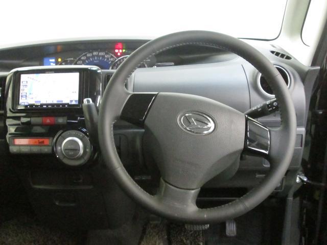 インパネシフトで広々したフロントシート空間☆足元ゆったりでロングドライブも快適です。