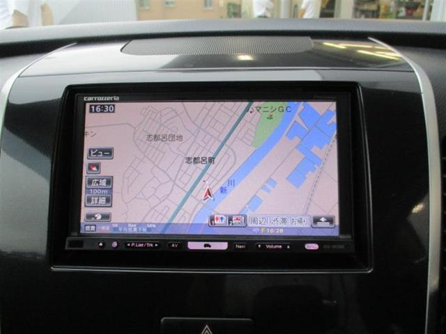 カロッツェリア製HDDナビ(AVIC−HRZ990)です! 運転席下にはパイオニア製(TS−WX110A)サブウーファーを装備。ちなみに、ナビの地図データは2010年 第2版です。