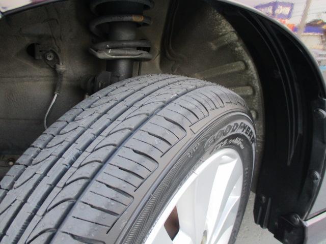 タイヤは新品を4本付けました155/65R14。気持ち良くドライブ出来そうです。