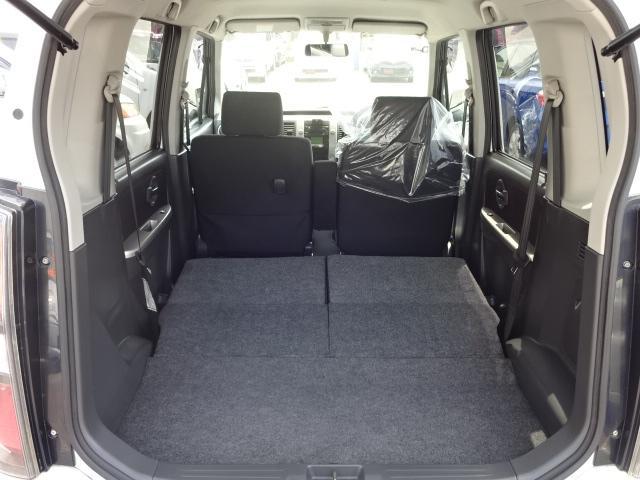 ★後部席を倒すと平らになりますので大きな荷物も楽々積めます★